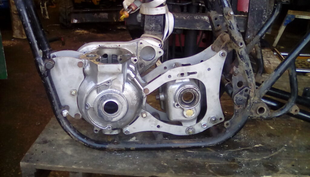 TRIUMPH ENGINE TO BSA FRAME TRIBSA CONVERSION PLATE BRACKETS (H315)