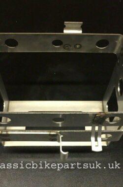 SUZUKI GS1000 CHAIN DRIVE BATTERY CARRIER BOX (S353)