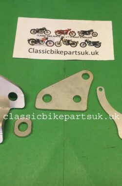 Triumph T160 Front Engine Mounting and Horn Bracket 83-5899 83-5900 (S371) (S372) (H37)